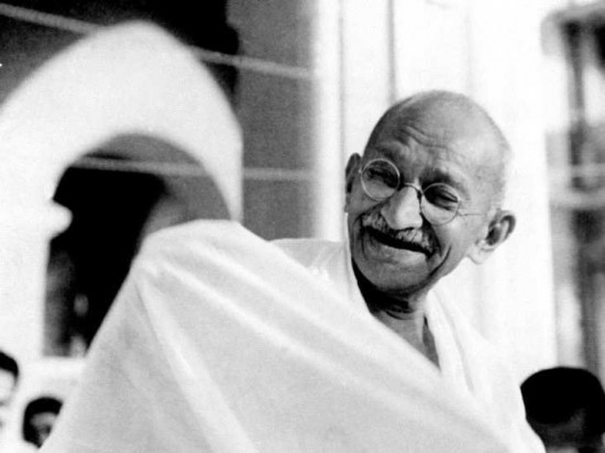 gandhi-laughing