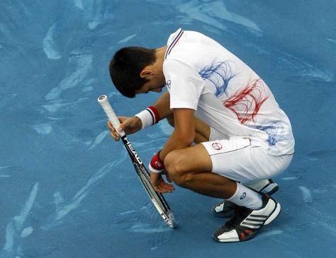Novak-Djokovic-lamenta-Foto-Internet_LRZIMA20140121_0042_11