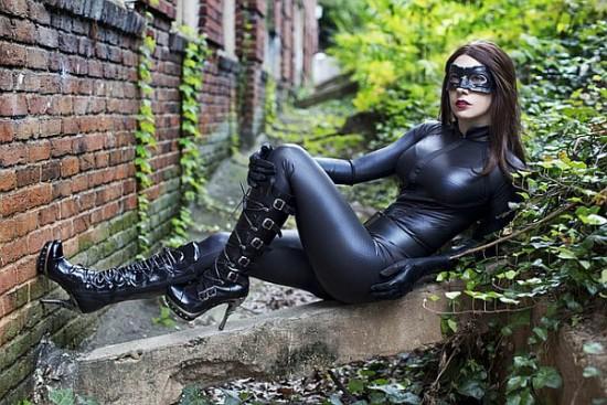 ana-catwoman-2