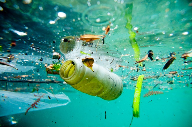 raceforwater-pollution-christophelaunay-jpg