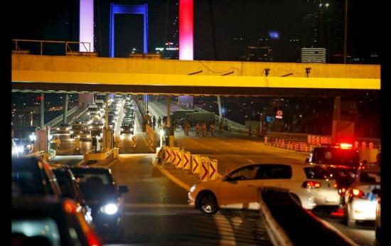 turquia-golpe-de-estado-ap-turkey-military-coup-mora-1