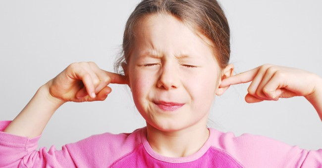 girl_ears_listen_problem_parents_argue_suffer_divorce